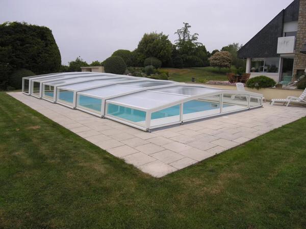 别墅无边界泳池SPA